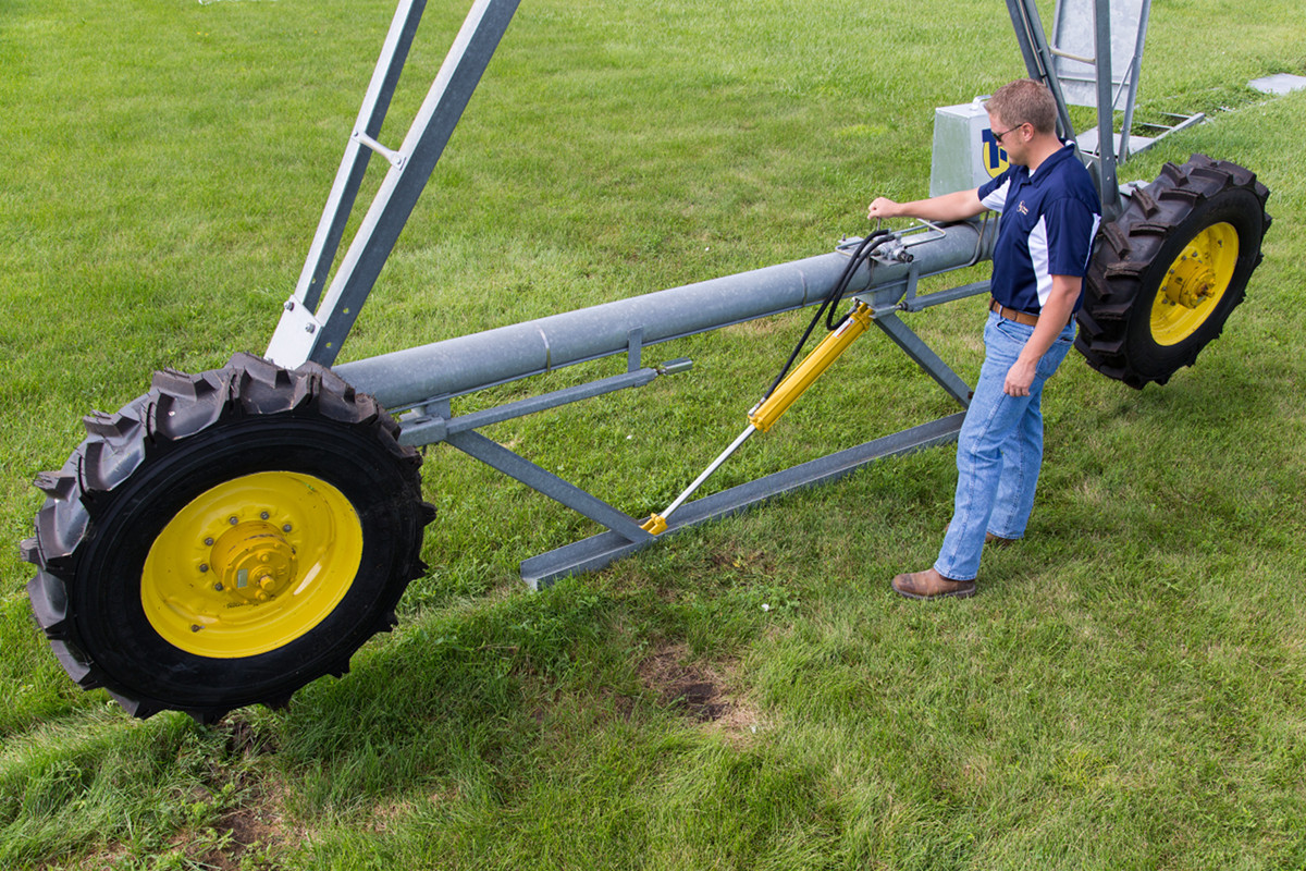 Quick Tow Irrigation Systems, Easy Tow Pivot Irrigation | Grand Island
